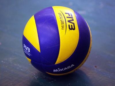 Буковинські дівчата-волейболістки зіграли у Вінниці