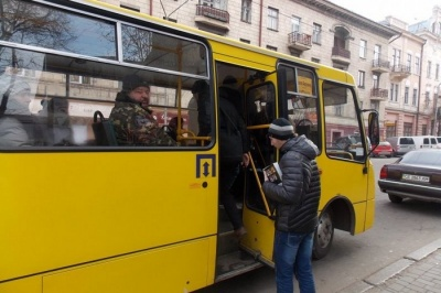 У поліції розповіли про порушення, вчинені водіями маршруток у Чернівцях