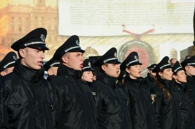 У Чернівцях 74 поліцейські урочисто склали присягу (ФОТО)