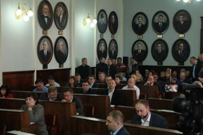 Чернівецька міськрада з другої спроби ухвалила програму забезпечення молоді житлом