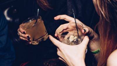 Чим небезпечний алкоголь для шлунку: пояснення медика