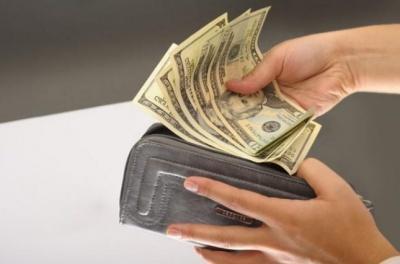 У листопаді в Чернівецькій області зафіксували найнижчі в Україні зарплати