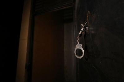 В Аргентині чоловік 22 роки тримав у сексуальному рабстві власну доньку