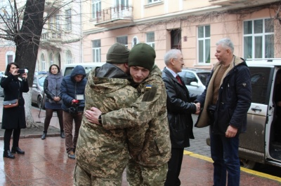 У Чернівецькій ОДА повідомили деталі зустрічі Фищука із звільненим з полону бойовиків буковинцем