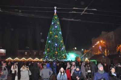У Новорічну ніч у Чернівцях перекриють Соборну площу