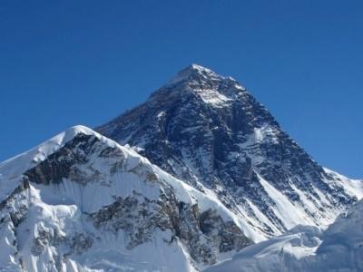 Непал заборонив альпіністам поодинці підніматися на Еверест