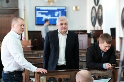 У Чернівецькій міськраді п'ятеро депутатів - потенційні кандидати на виліт (ВІДЕО)