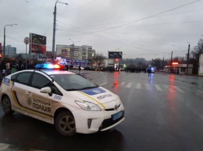 Чоловіка, який захопив будівлю пошти в Харкові, допитали і відправили в ізолятор