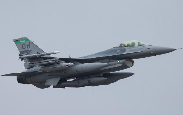 ВЕстонію прибули 12 американських винищувачів F-16