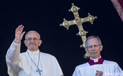 Папа Римський Франциск закликав держави приймати більше біженців у новому році