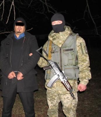 Алжирець намагався нелегально перейти кордон на Буковині
