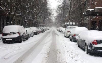 Через снігову бурю у Нью-Йорку зачинили всі школи
