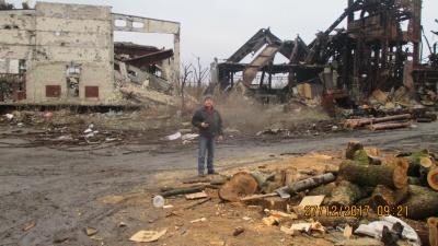Чернівецький волонтер возив на передову гостинці бійцям (ФОТО)