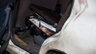 Невідомий з ножем жорстоко атакував таксиста у Дніпрі: за життя потерпілого борються лікарі