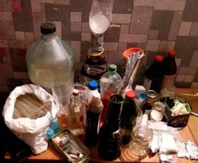 У Чернівцях поліція викрила підпільну нарколабораторію в квартирі місцевого жителя