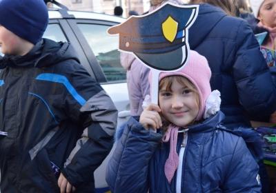 У Чернівцях поліцейські познайомили дітей зі своєю роботою (ФОТО)