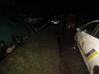 На Прикарпатті поліцейські з Чернівців затримали п'яного водія краденого «буса»
