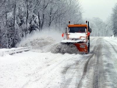 На дорогах розпочато чергування на випадок погіршення погоди