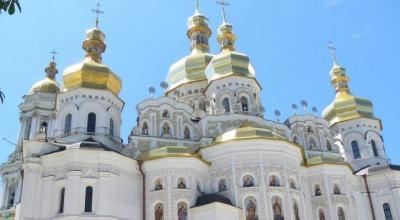 В Україна меншає прихильників московської церкви