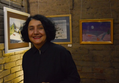 «Коли малюю, уявляю, що я всередині своєї картини»: у Чернівцях відкрили дитячу виставку