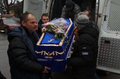 Прощання із загиблим Героєм і продовження епідемії кору. Найголовніші новини Буковини за минулу добу