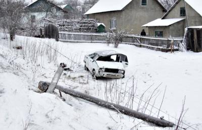 На Буковині перекинувся ВАЗ (ФОТО)