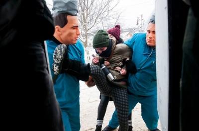 Криваві «жарти»: журналіст розповів, як маланкарі в Красноїльську жорстоко побили туристів