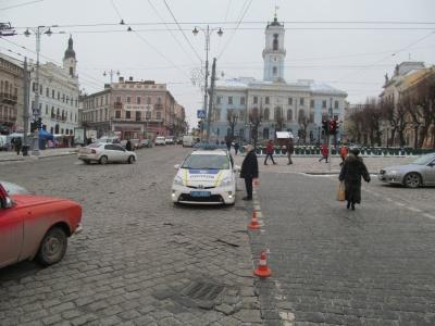 У центрі Чернівців уже перекрили рух для фестивалю маланок
