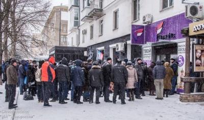 В окупованому Донецьку ажіотаж за місцевими SIM-картами