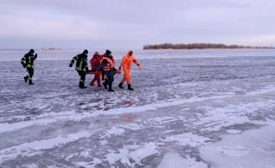 На Дніпрі двоє підлітки провалилися під лід - один загинув