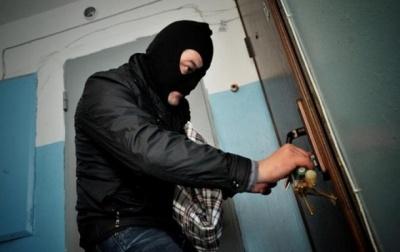 На Буковине полиция задержала злоумышленника, который обворовывал дома на Глибоччине