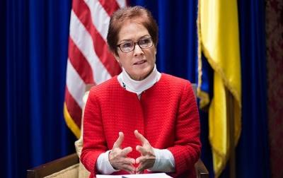 Посол США розповіла, коли Україна отримає безкоштовне озброєння