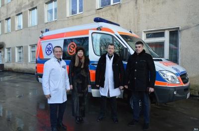 Райлікарня Буковини отримала медичне авто від партнерів з Польщі