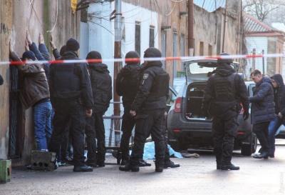 В Одесі поліція застрелила чоловіка, який під час затримання поранив трьох правоохоронців