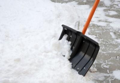 Підприємства і установи Чернівців закликають прибрати сніг