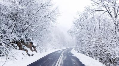 На Заході невеликий сніг, але обмежень у русі немає, - Укравтодор