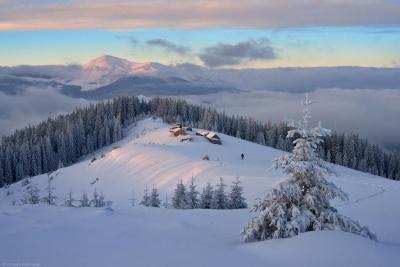У Карпатах насипало 1,5 метра снігу