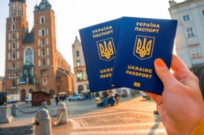 Україна веде переговори про безвіз ще з 20 країнами, - Клімкін