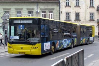 У Львові поліція почала вилучати автобуси комунального підприємства
