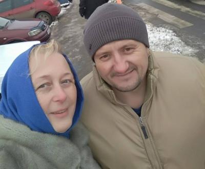 Волонтери з Чернівців і Львова купили форму та взуття бійцю АТО