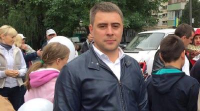 Депутат Чернівецької міської ради придбав автомобіль за 700 тисяч гривень