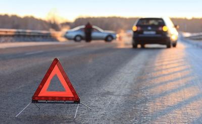 У Чернівцях поліція з'ясовує обставини наїзду джипа на пішоходів на зупинці на Південно-Кільцевій
