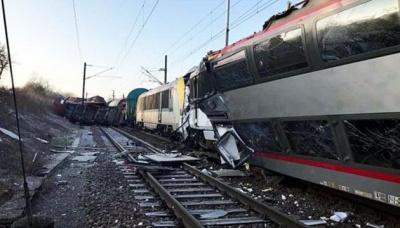 У США зіткнулися два потяги. Є жертви