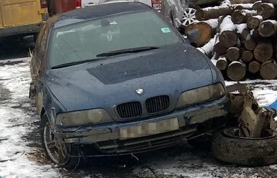 На Буковині BMW вилетіло з дороги та перекинулось: загинув пасажир