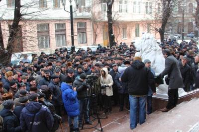 Військові пенсіонери, що пікетували Чернівецьку ОДА, обіцяють продовжувати схожі акції протесту