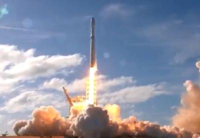 Компанія SpaceX здійснила вдалий запуск найпотужнішої в світі ракети