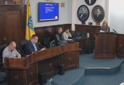 «Припиніть займатись дерибаном»: у Чернівцях депутат міськради і головний архітектор звинуватили одне одного у зловживаннях