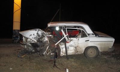 У Чернівецькій області «Мерседес» розтрощив «Жигулі» - загинув пасажир (ФОТО)