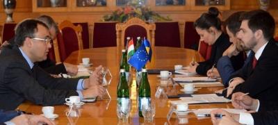 """МЗС: Україна та Угорщина погодили ключові позиції щодо мовних норм закону """"Про освіту"""""""