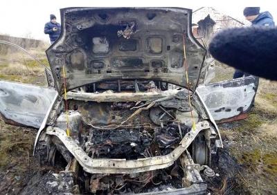 На Буковині невідомі викрали і спалили «Форд» (ФОТО)